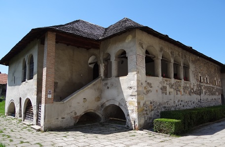 Viziteaza Manastirea Negru Voda din Campulung