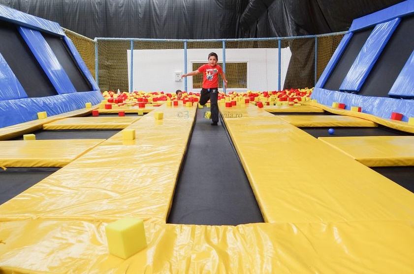 House of bounce parc indoor trambuline Bucuresti   365romania.ro
