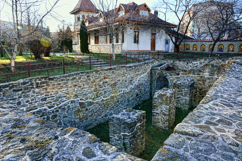 Curtea Domneasca obiectiv turistic Bacau | 365romania.ro