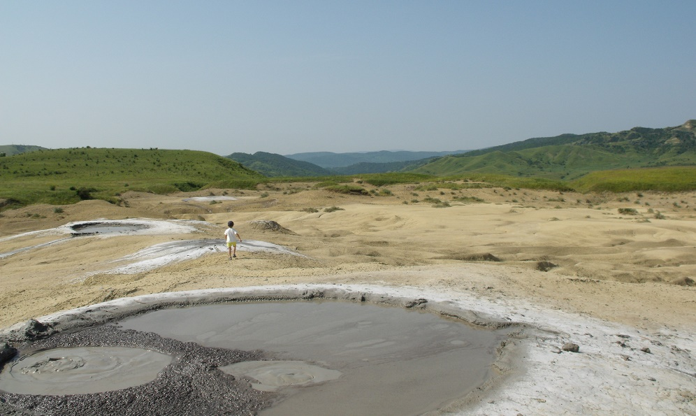 Vulcanii Noroiosi important obiectiv turistic | 365.romania.ro