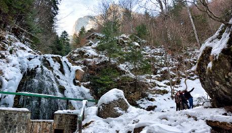 Cascada Urlatoarea turism busteni valea prahovei|365romania