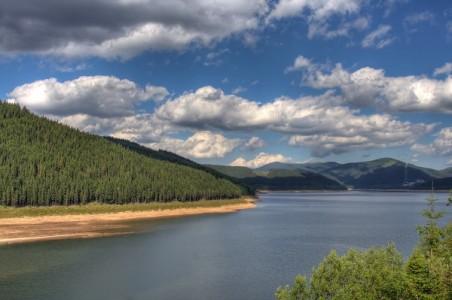 Lacul Vidra Baraj Vidra obiective turistice Valcea | 365romania.ro