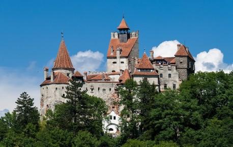 Castelul lui Bran sau Castelul lui Dracula Brasov | 365romania.ro