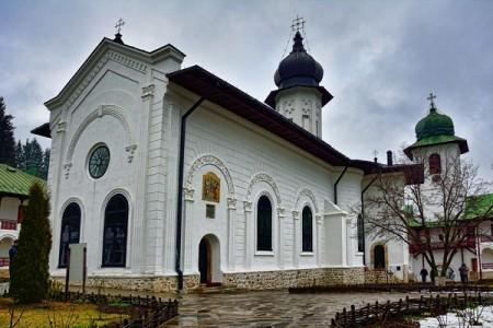 Manastirea Agapia atractii turistice Neamt | 365romania.ro