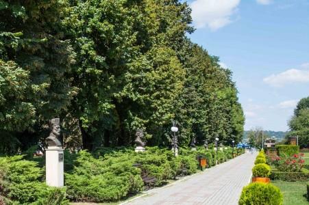 Relaxare in Parcul Chindiei Targoviste | 365romania.ro