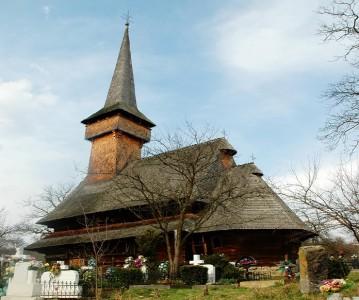 Biserica de lemn Cuvioasa Paraschiva din Desesti|365.romania.ro