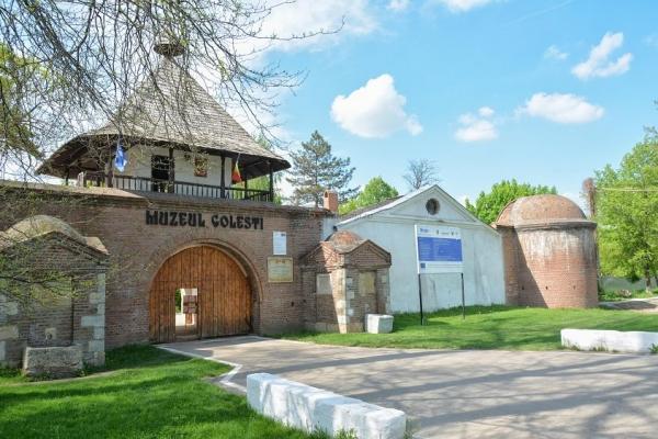 Muzeul Golesti 365 romania ADI_8606.jpg